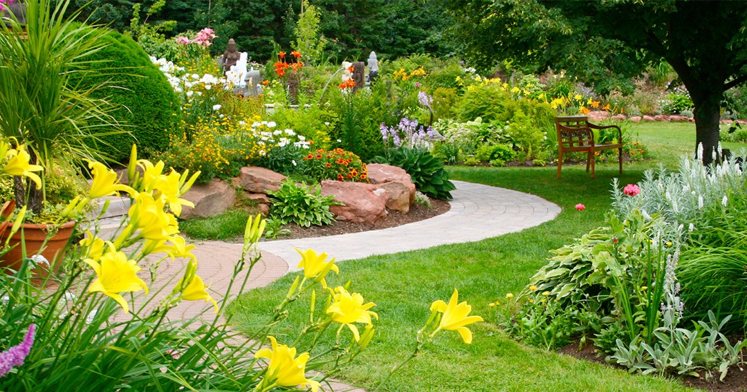 5 Front Yard Landscaping Tips That Will Wow Home Buyers